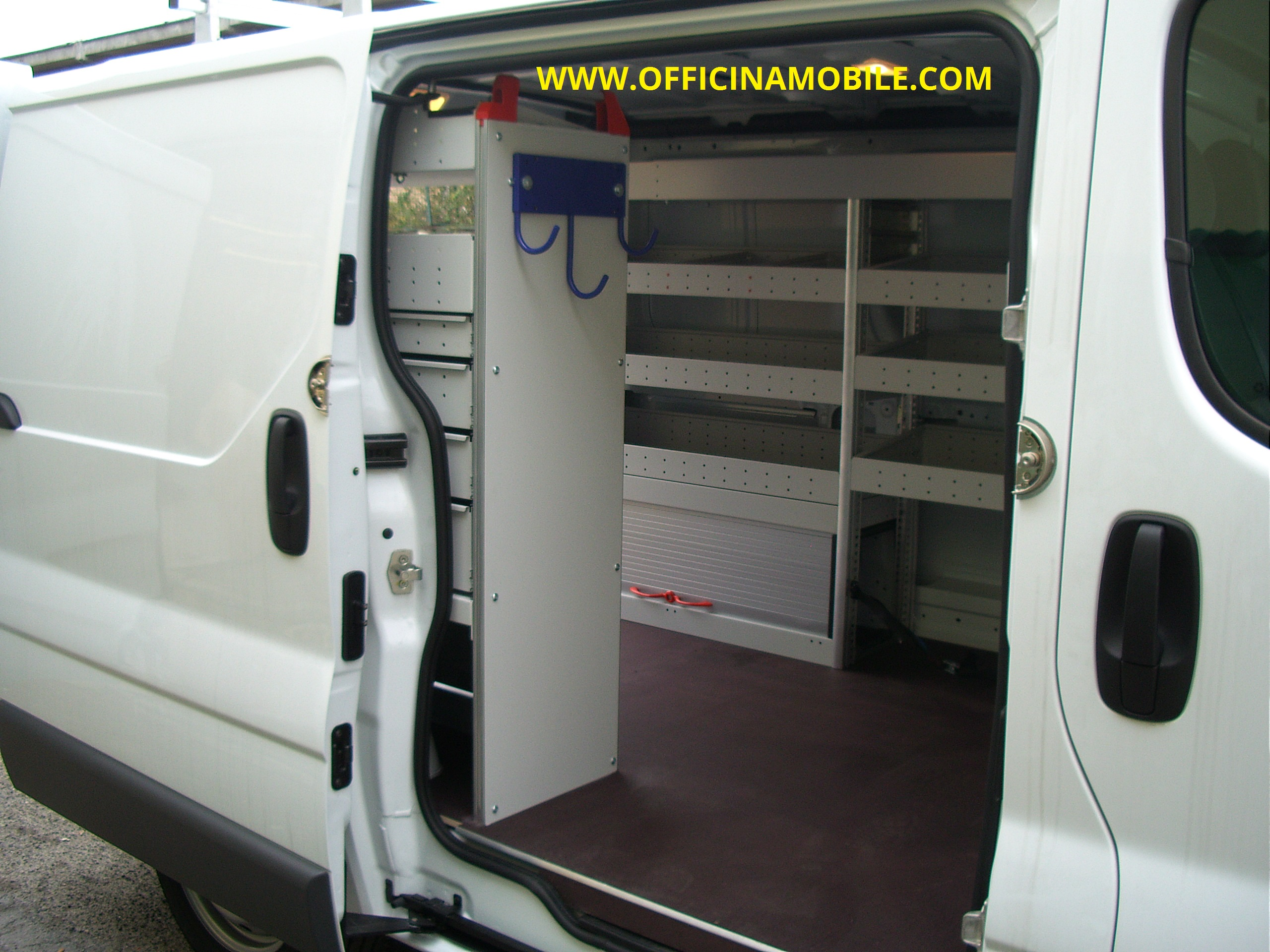 Officina mobile nissan nv300