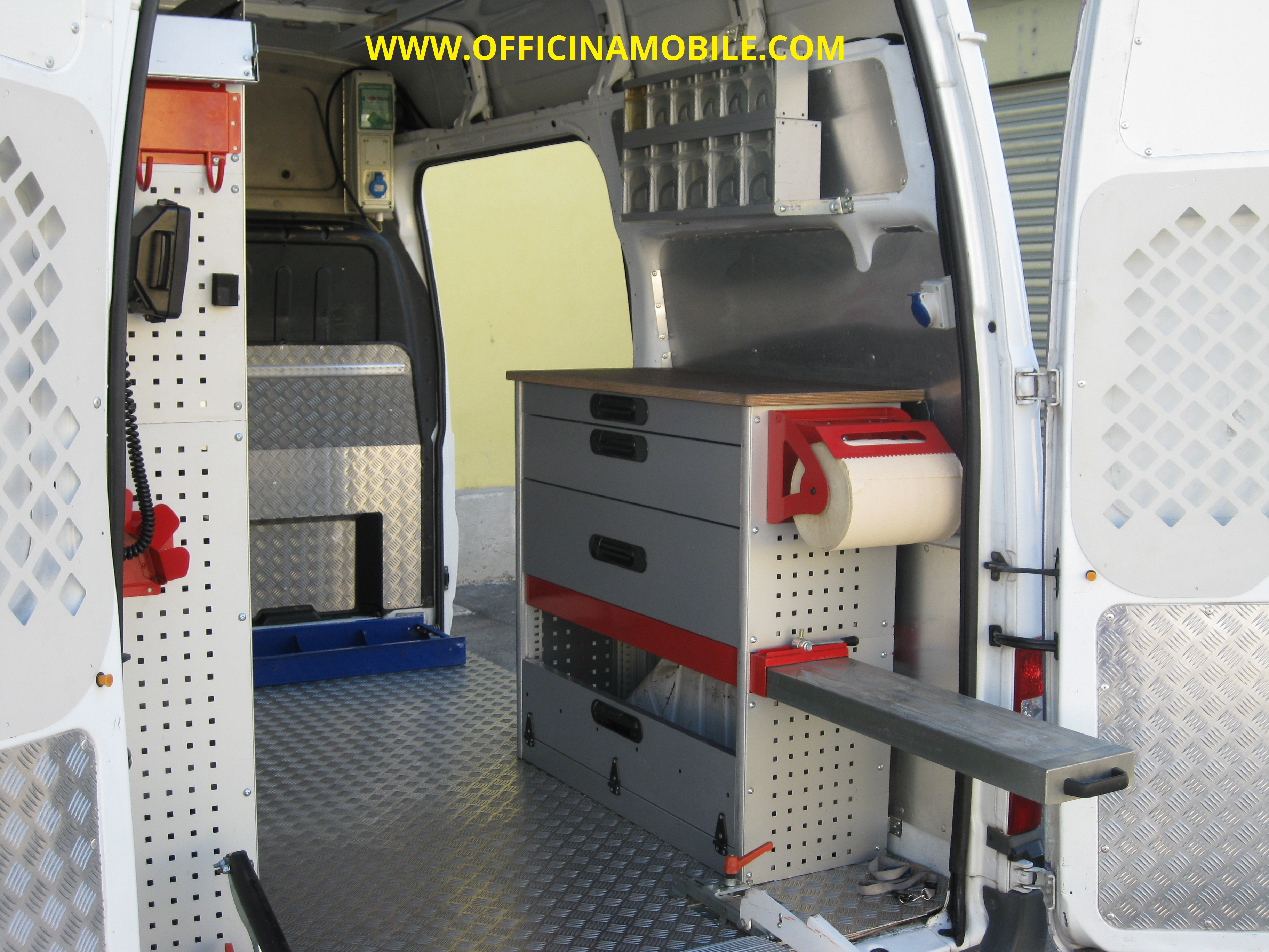 Officina mobile ford transit