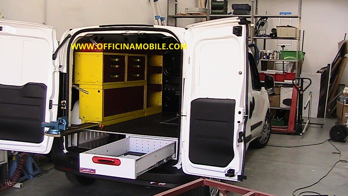 Officina mobile ford custom